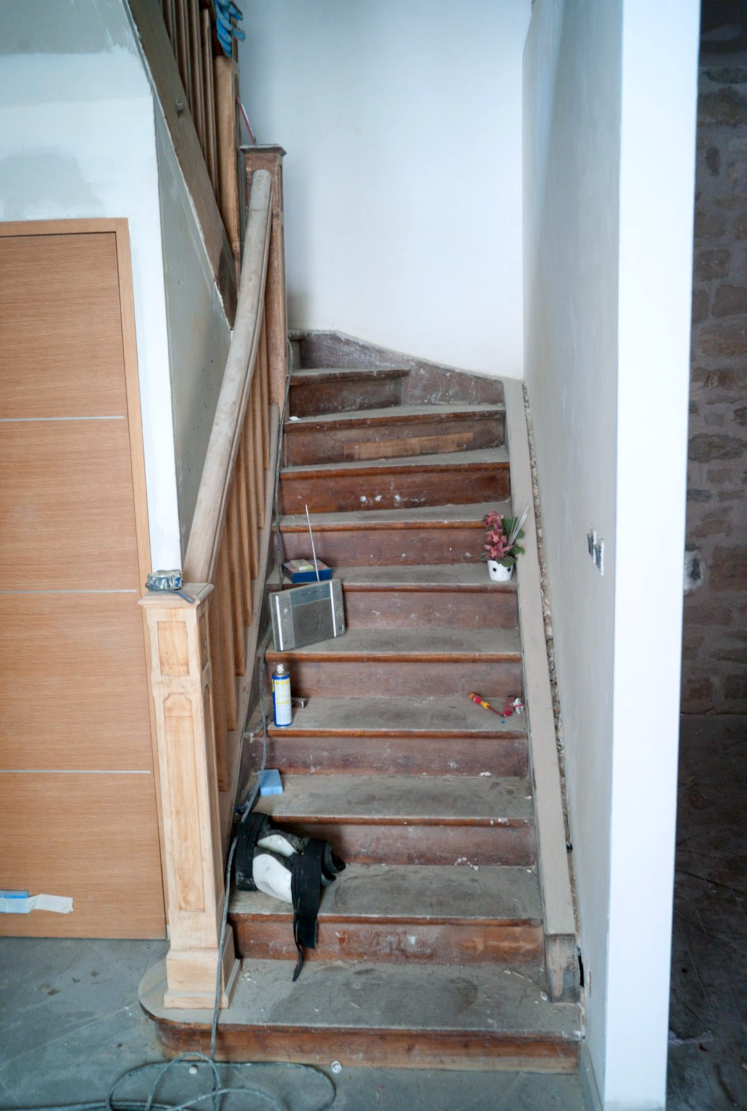 Renovation escalier bois interieur dkproject actualit s d for Renovation escalier bois interieur